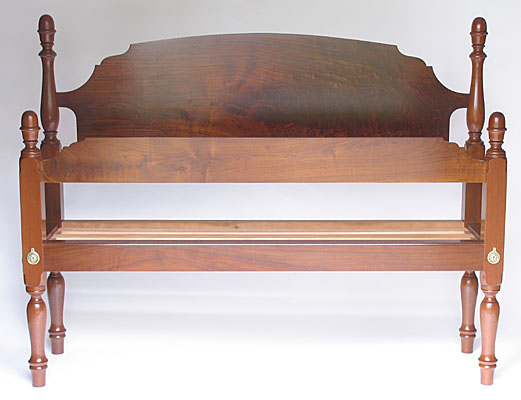 ACORN BED, WALNUT, QUEEN SIZE WITH SLAT SYSTEM  (B15)